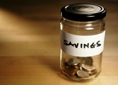 Doar 15% dintre romani au bani sa economiseasca lunar