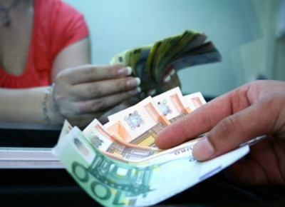 Cati romani se gandesc la refinantarea creditelor de consum