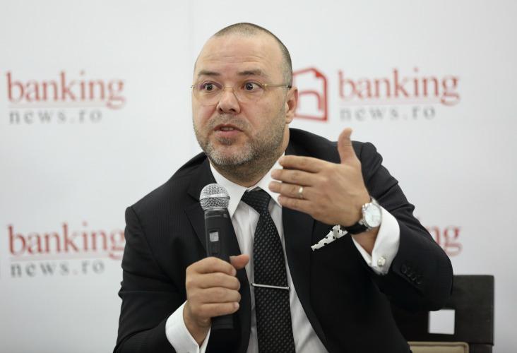Florin Dănescu, Asociaţia Română a Băncilor, explică care sunt principalele obiective ale procesului de digitalizare: acordarea de credite online şi acceptarea semnăturii electronice ca variantă alternativă pentru orice contract între bancă şi client