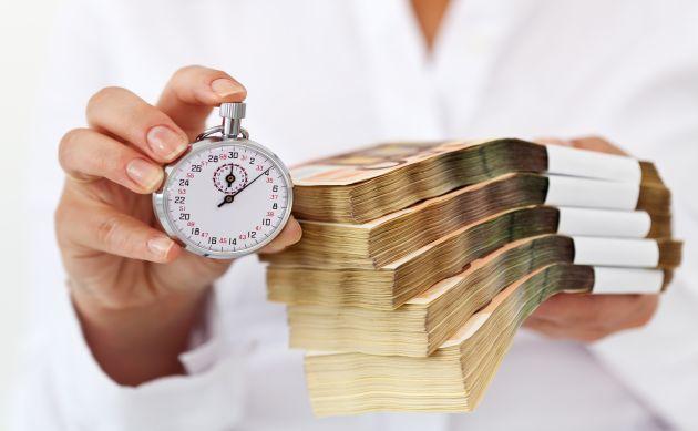 Analiză UniCredit Bank: Politica fiscală, cea mai mare ameninţare pentru stabilitatea macroeconomică. Dobanda cheie va creşte din februarie 2018. Ce va prefera BNR: stabilitatea dobânzilor sau stabilitatea cursului de schimb?
