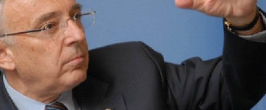 Isarescu: Concurenta dintre bancile romanesti este slaba