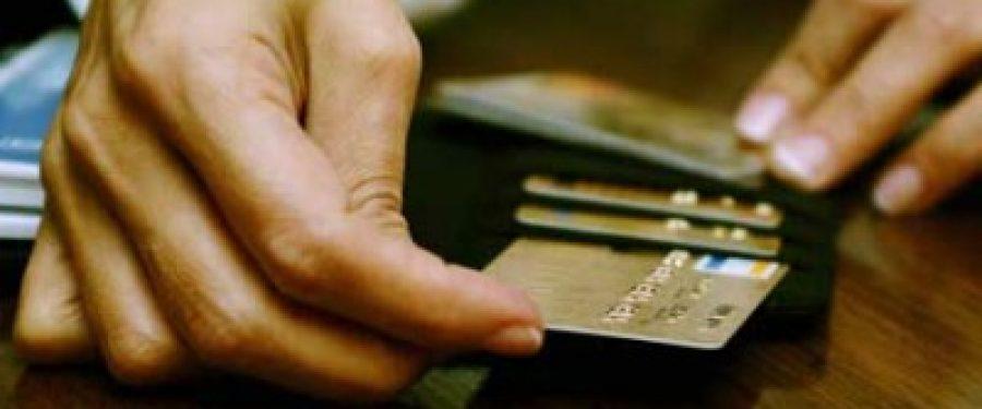 Romanii au prins gustul pentru carduri business