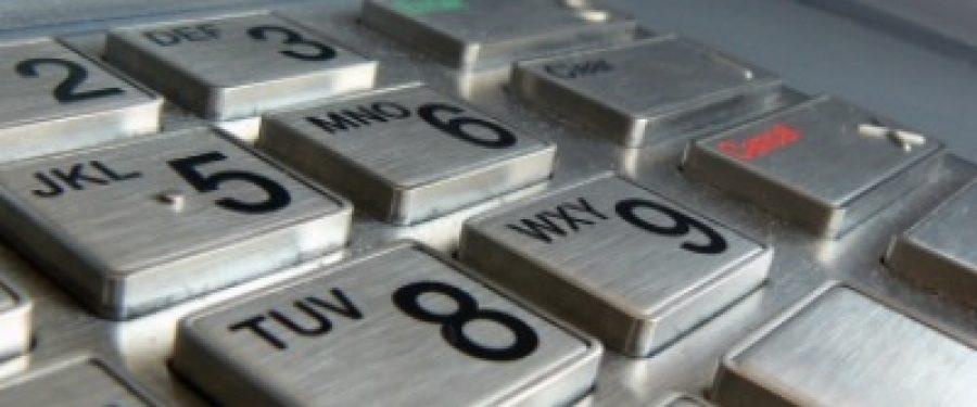 Cate ATM-uri si POS-uri au deschis bancile in 2011