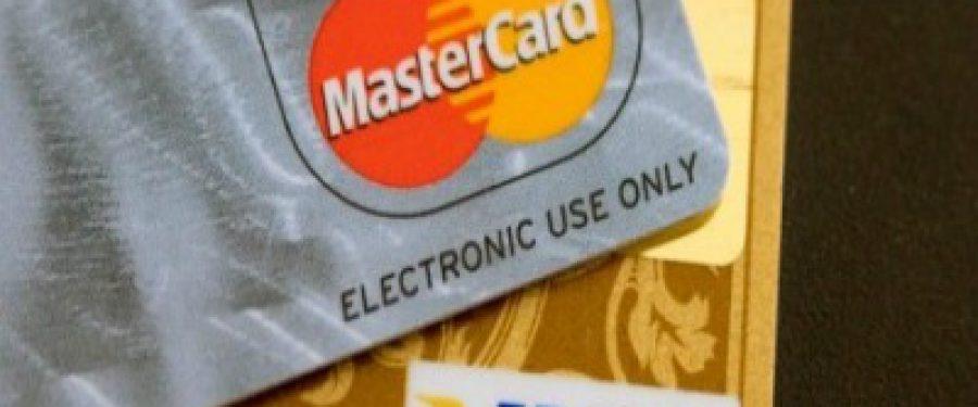 Zeci de mii de carduri Visa si Mastercard au fost compromise