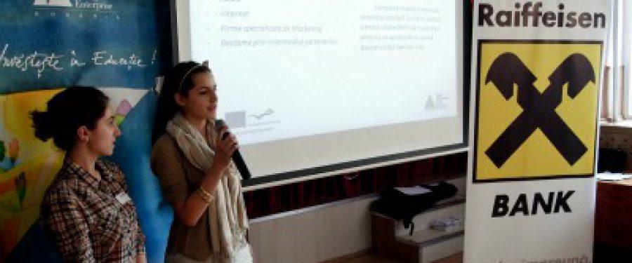86 de elevi de liceu din Bucuresti au conceput banca pentru tineri