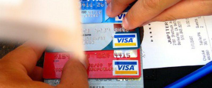 Cumparaturi online cu cardul de 800 milioane euro