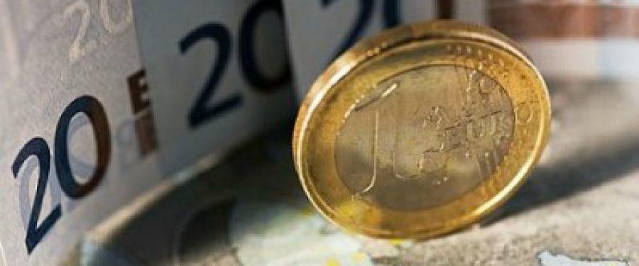Cursul euro atinge un nou maxim istoric!