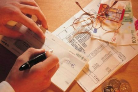 O Directiva Europeana i-ar putea salva pe clienti si giranti de executarea silita suplimentara
