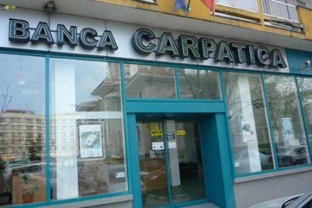"Banca Carpatica anunta pierderi de 21 de milioane de lei in primele 9 luni. Banca se pregateste sa ""bata palma"" cu investitori strategici"