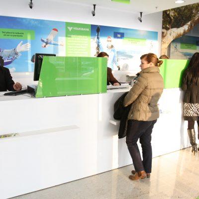 Volksbank pregateste o surpriza clientilor imprumutati in franci elvetieni: conversia creditului la un curs de 2,38 lei/chf