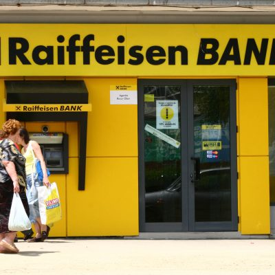 Raiffeisen Bank reduce dobanda pentru creditele in franci elvetieni