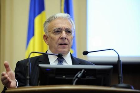 Mugur Isarescu: Problemele de creditare nu sunt generate de lipsa banilor, ci de ruptura dintre clienti si banci, din cauza crizei