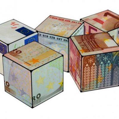 Iohannis: Am subliniat faptul ca Romania isi doreste sa adopte moneda unica europeana in 2019. Isarescu spune ca nu vrem sa fim Grecia