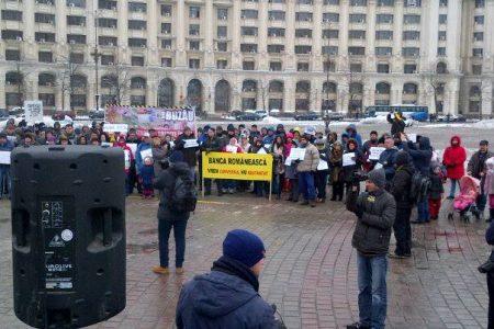 Clientii cu credite in franci elvetieni au protestat simultan in tara. Cum vor sa boicoteze bancile in 11 februarie
