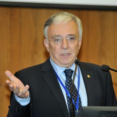 Mugur Isărescu: Decizia CCR cu privire la Legea dării în plată, care trimite cazurile în fața unui judecător, un progres