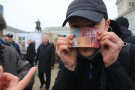 Polonia va finaliza masurile de ajutor acordate clientilor cu credite ipotecare in franci elvetieni in luna mai
