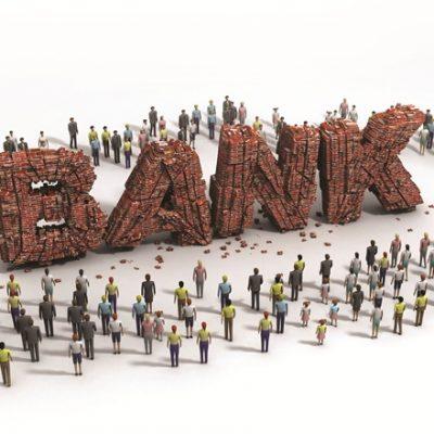 Cat au cheltuit bancile cu angajatii in perioada de criza. Unde se situeaza Romania in regiune