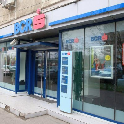 Criza din Grecia genereaza prima decizie radicala din partea unei banci romanesti: BCR suspenda schimbul valutar online