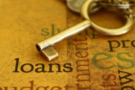 Cererea pentru credite destinate companiilor este in crestere, la fel si creditele pentru locuinte
