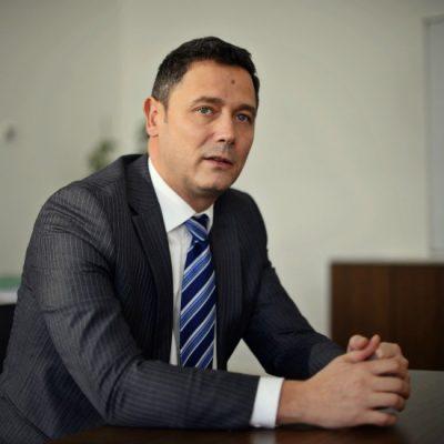Sergiu Manea, BCR: Prin limitarea nivelului dobânzii, legiuitorul vrea să excludă ratele exagerate ale creditelor. Dar plafonarea dobânzii limitează accesul la credit