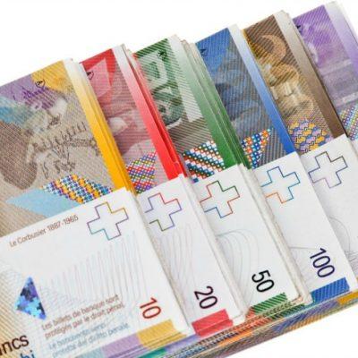 Numărul și volumul creditelor în franci elvețieni s-au redus, în 2015, cu 20%