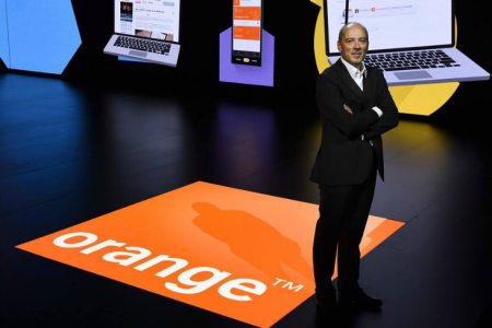 Orange si Groupama deschid prima banca 100% mobila. Orange Bank ar putea activa si in Romania