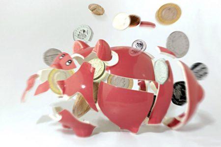 EXCLUSIV: Topul băncilor după numărul de clienți: BCR a câștigat poziția de lider, CEC Bank și-a curățat portofoliul, Banca Transilvania a urcat agresiv până pe podium