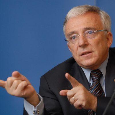 Mugur Isărescu spulberă declarațiile absurde din presă: salariul lunar ajunge la 13.601 de euro