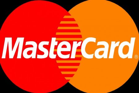 """Mastercard lansează ghidul """"Plăți Mai Sigure Pentru Copii"""", un material de educație financiară ce promovează obiceiurile responsabile de consum și de luare a deciziilor financiare în cunoștință de cauză"""