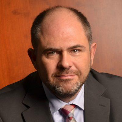 Sergiu Oprescu, Alpha Bank: Creșterea dobânzii de bază încetinește ritmul de creditare. Manea, CEO BCR: Deprecierea leului e mai mult zgomot