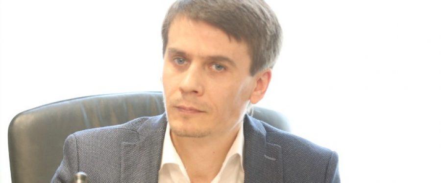 """Educația financiară la români este marcată de mentalitatea iubitorilor de animale mioritici: """"Să curețe alții mizeria noastră!"""""""
