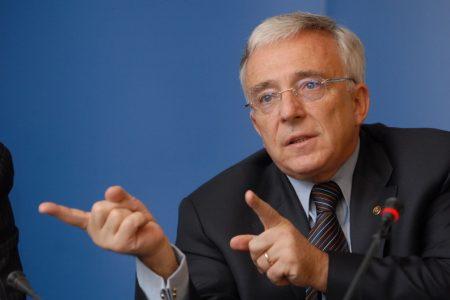 Mugur Isărescu: Legea dării în plata, un experiment unic în lume