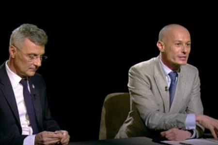 Dezbaterea despre Legea dării în plată scoate la iveala discursul paralel al celor două voci