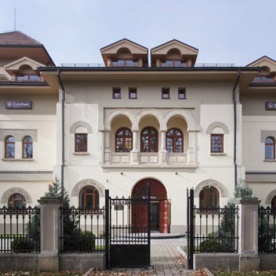 EximBank urcă pe poziția a doua în topul factorilor de export din România