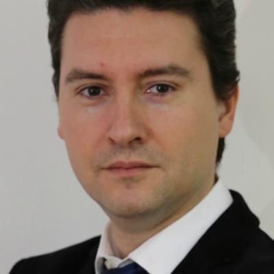 """Bogdan Căpraru, profesor universitar: """"Finanțarea prin bănci trebuie regândită! Bancherii ar trebui să vadă nu numai cifre, ci și potențialul de creștere al afacerii!"""""""