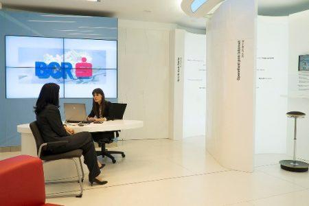BCR vine în sprijinul companiilor și oferă conturi cu comision zero la deschidere, administrare și operațiuni online, pentru plata defalcată a TVA
