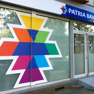 Patria Bank oferă clienților dobânzi de până la 3.25% pe an și premii de sărbătoare la produsele de economisire