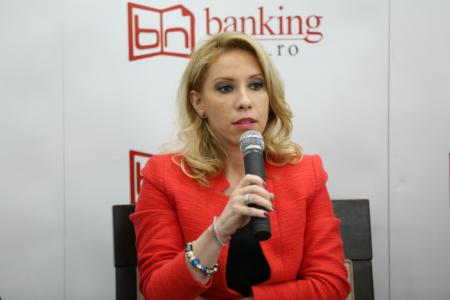 """Ioana Pârvu, BRD: """"Luptăm împotriva unei mentalități, care determină românii să scoată banii de pe card de la ATM și să plătească factura cu bani cash, la casierie"""""""