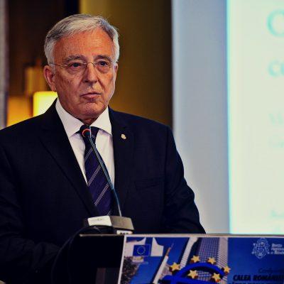 Premierul Sorin Grindeanu şi Guvernatorul Mugur Isărescu despre trecerea la euro: Fără reducerea decalajelor între regiunile României trecerea la euro nu este sustenabilă. Isarescu: abordarea procesului de adoptare a monedei euro trebuie să fie caracterizată de prudență, responsabilitate și profunzime.
