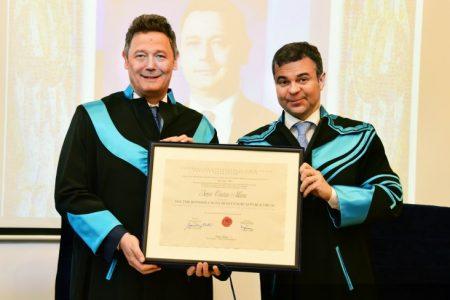 Sergiu Manea, președintele BCR, a primit titlul de Doctor Honoris Causa din partea Universității de Vest din Timișoara