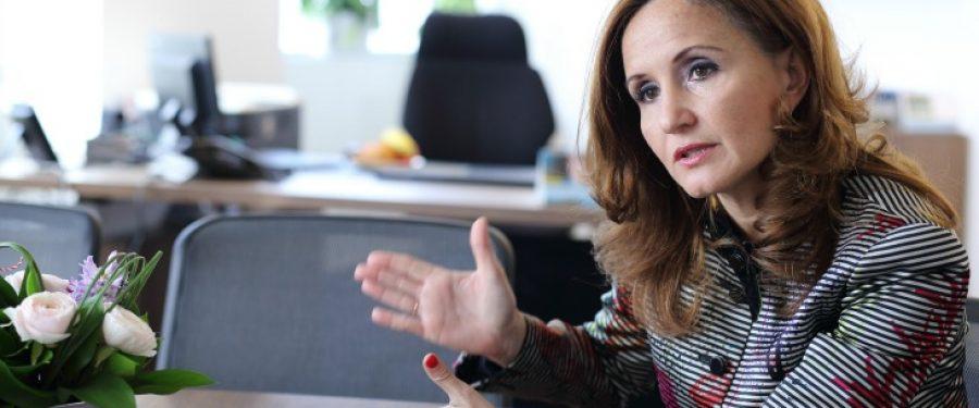 """Dana Demetrian, BCR: """"Accesarea unui credit trebuie să se întâmple numai atunci când într-adevăr este nevoie și doar atunci când într-adevăr poți susține acea datorie"""""""