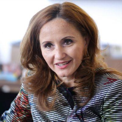 """BCR transformă încă 28 de sucursale în unități de tip cashless. Dana Demetrian: """"Modernizarea rețelei de unități reprezintă o componentă esențială a strategiei noastre de retail"""""""