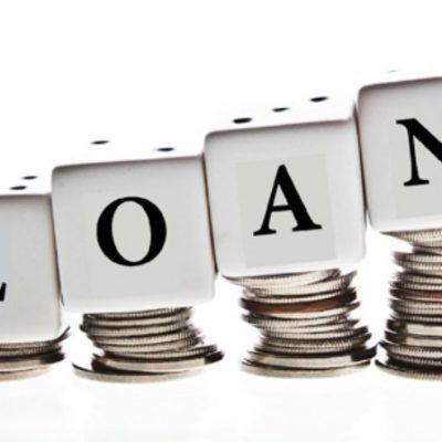 Rata creditelor restante scade și atinge minimum din martie 2010