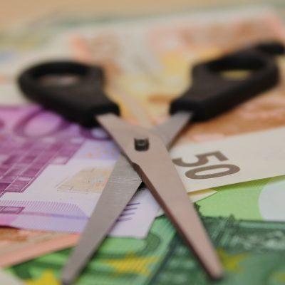 BNR propune limitarea gradului de îndatorare pentru consumatori. Ministrul Finanţelor nu susţine măsura de precauție propusă de Banca Centrală