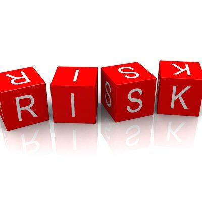BNR a identificat șase riscuri sistemice ridicate și două moderate. Se mențin în prim-plan riscul asociat cadrului legislativ incert, creșterea dobânzilor și accelerarea prețurilor locuințelor