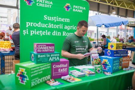 #BancaLaPiata un proiect al Patria Bank ce promovează serviciile bancare chiar printre tarabele de legume, fructe și brânzeturi
