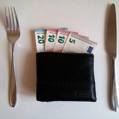Cehii se pregătesc și ei de restricționarea creditării. Banca Națională a Cehiei stabilește valori maxime pentru creditele ipotecare și limitează gradul de îndatorare