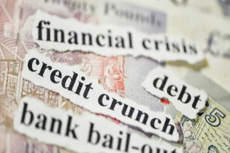 Zece ani de la izbucnirea Crizei Financiare: ce măsuri au salvat România și ce cauze ar putea declanșa o nouă criză economică