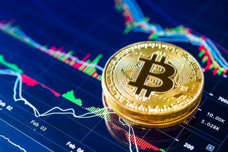 Bitcoin-ul şi monedele fiduciare nu sunt rivale, iar tehnologia blockchain poate ajuta băncile prin tranzacţii mai sigure, mai rapide