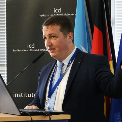 Andrei Rădulescu, Banca Transilvania: previzionăm creșterea costurilor de finanțare și deprecierea leului pe final de an. Ce riscuri identifică analistul BT pentru sectorul bancar